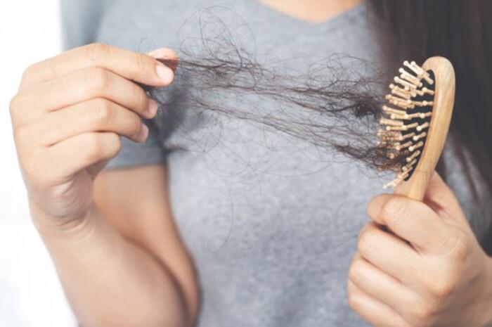 Коронавирус может спровоцировать выпадение волос
