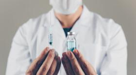В AstraZeneca заявили, что их вакцина от COVID-19 почти на 80% эффективна среди пожилых пациентов