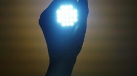 Уничтожить коронавирус могут ультрафиолетовые светодиодные лампы